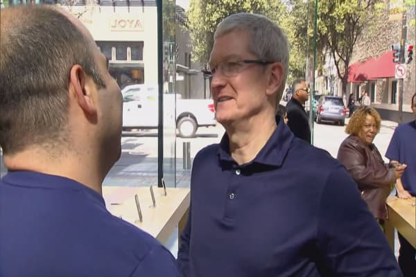 Apple CEO says cash will return to US