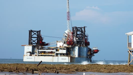 Oil rig owned by Diamond Offshore