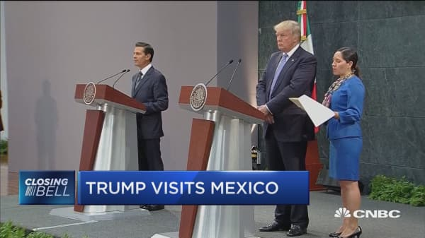 Davidow: Trump got his 'photo op' in Mexico
