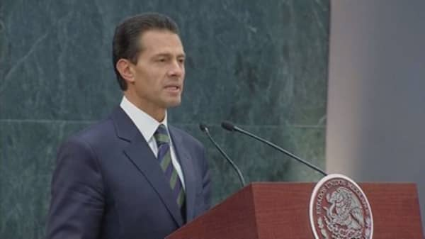 Mexico President insists he will never pay for border wall