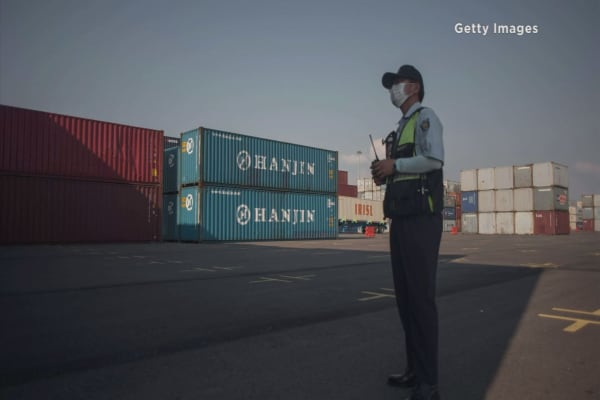 Hanjin troubles to hit holiday shoppers