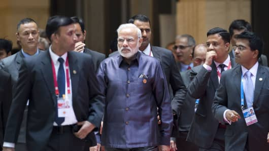 Indian Prime Minister Narendra Modi (C) on the second day of the Association of Southeast Asian Nations (ASEAN) Summit in Vientiane on September 7, 2016