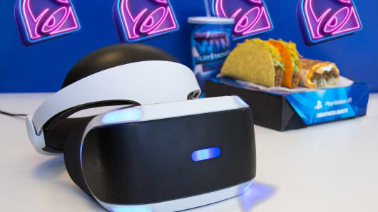 Taco Bell VR headset and Tacos.