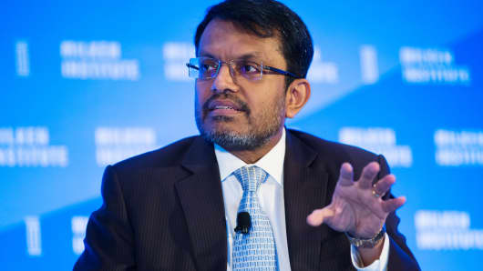 Ravi Menon, managing director of Monetary Authority of Singapore (MAS), speaks at the Milken Institute Asia Summit in Singapore, on Thursday, Sept. 15, 2016.