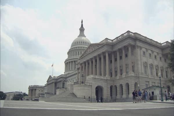 Americans blame Washington for declining economy