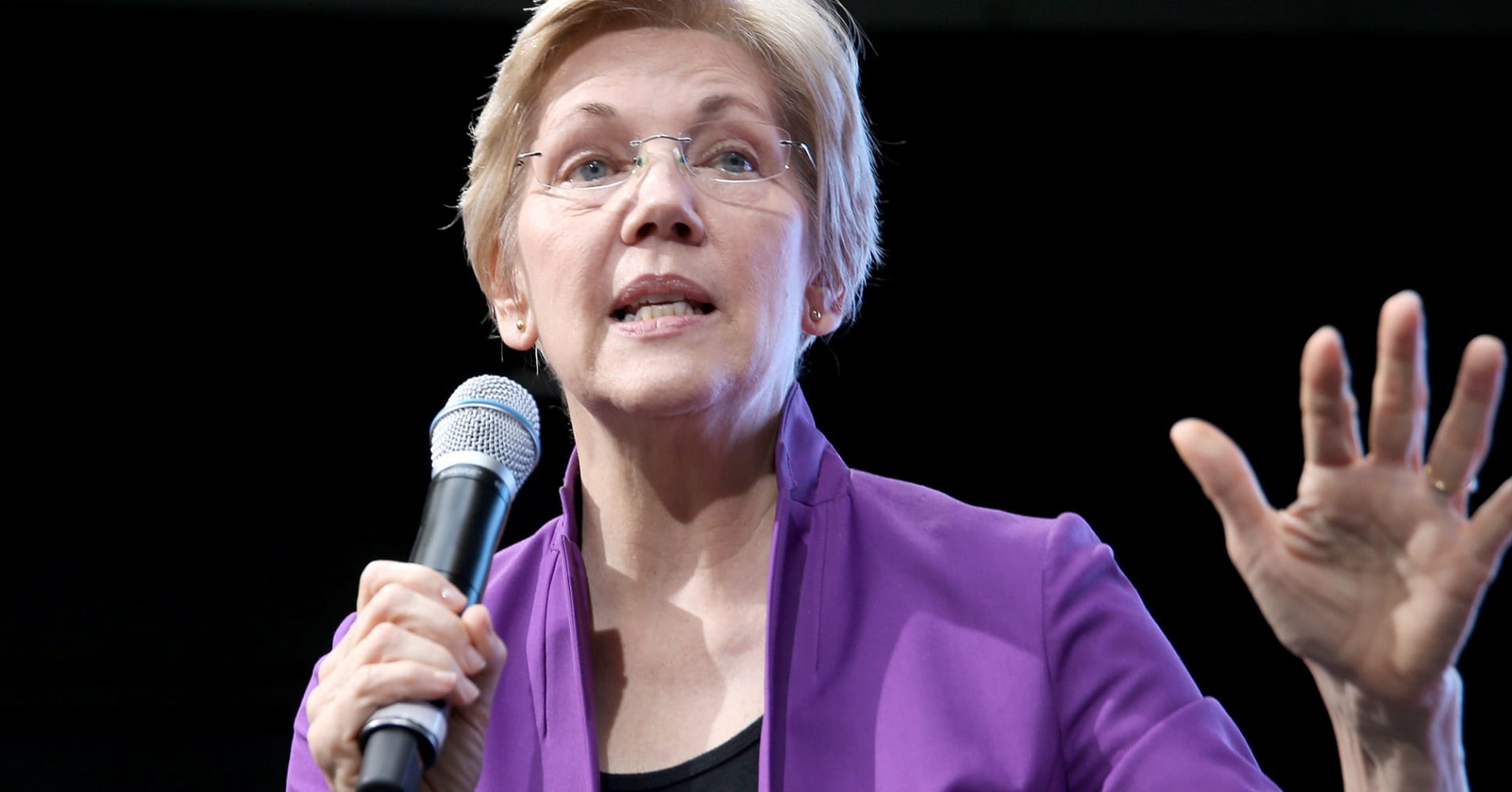 Sen. Warren tells Cramer about her plan to make companies and CEOs more accountable to employees