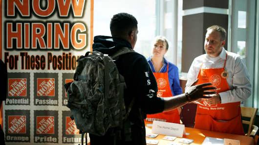 Labor Shortage Seen Challenging Retailers' Hiring Plans