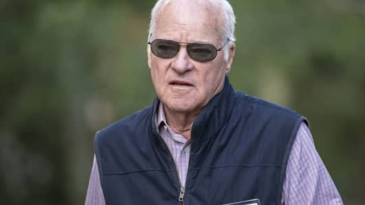 Henry Kravis, co-chairman, co-chief executive officer and co-founder of KKR & Co., arrives for a session of the Allen & Co. Media and Technology Conference in Sun Valley, Idaho, July 6, 2016.
