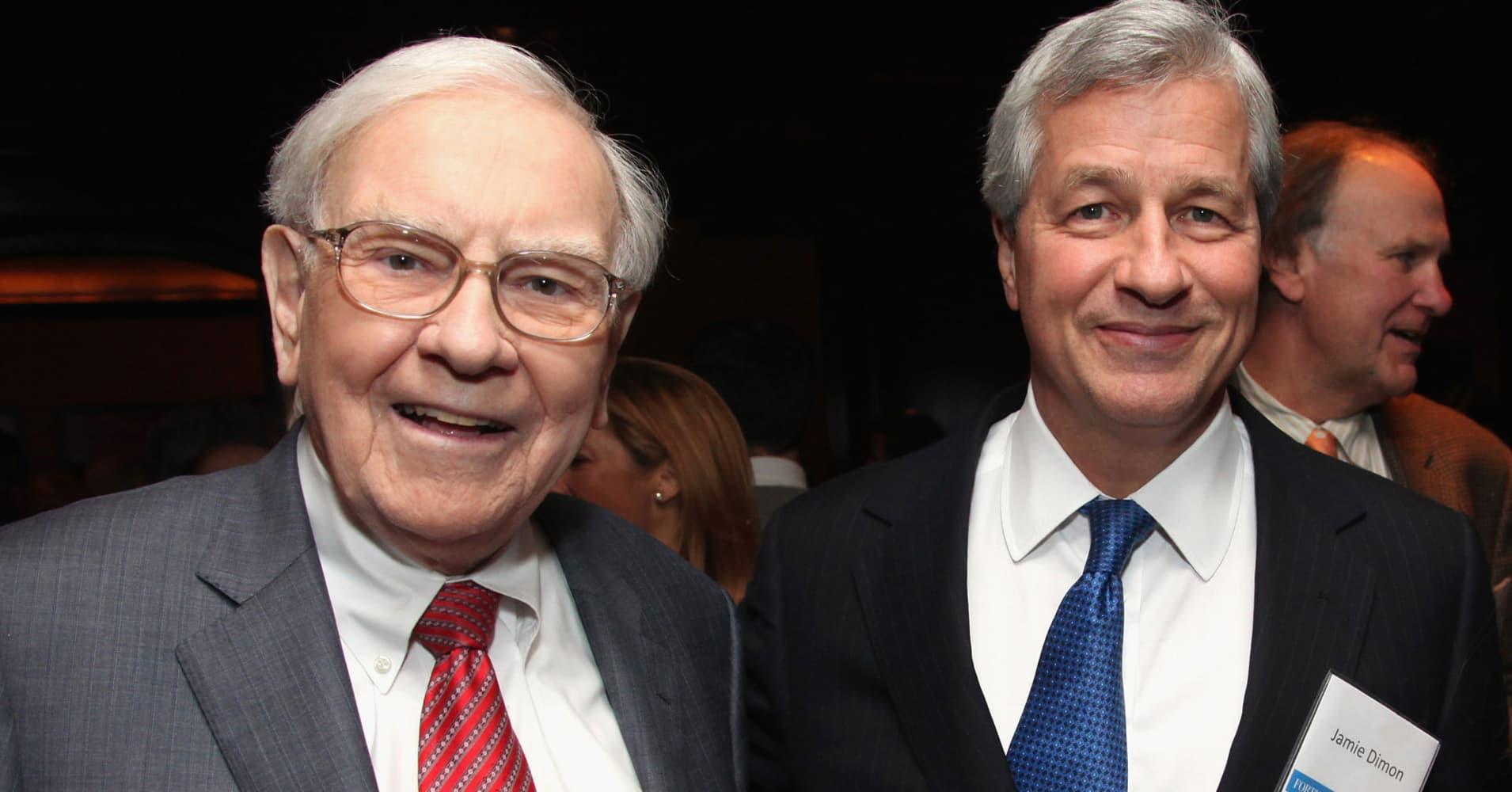 The Ceo Warren Buffett Turns To For Wisdom Jpmorgan 39 S