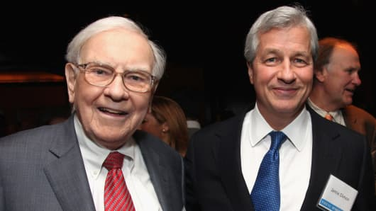 Warren Buffett with Jamie Dimon in 2012.
