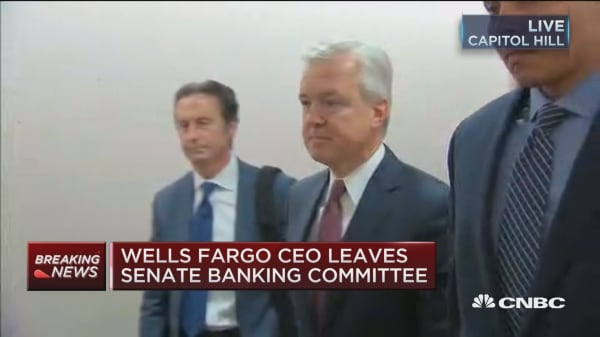Wells Fargo CEO leaves Senate Banking Committee