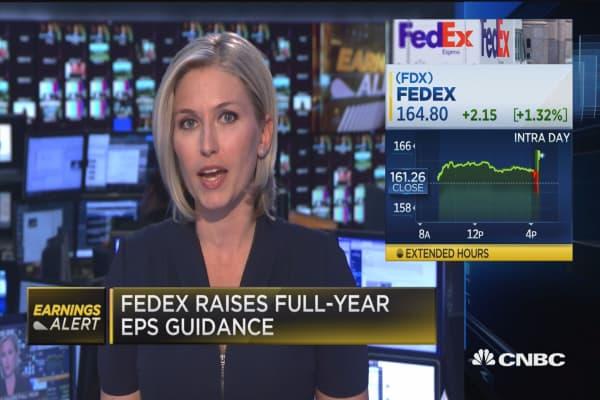 FedEx raises full-year EPS guidance