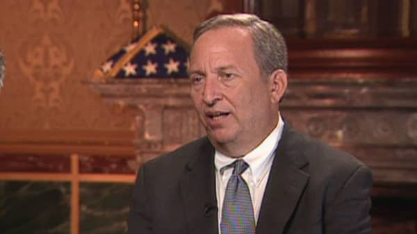 Larry Summers goes on a Twitter rant over Fed