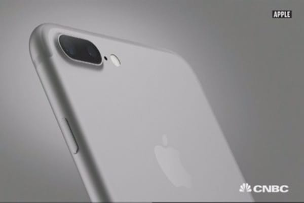 Apple's iPhone 7 is more expensive to make: IHS Markit