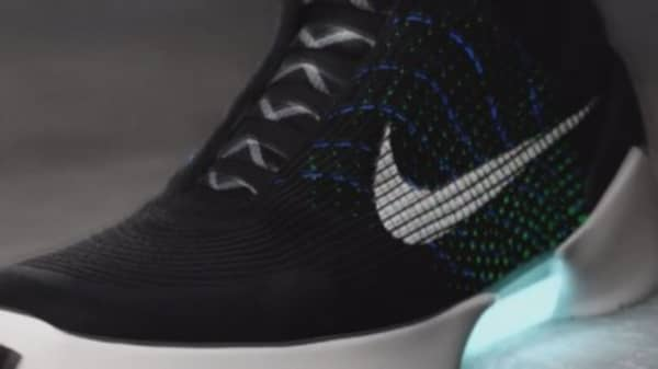 Nike to launch self-lacing shoes Nov. 28