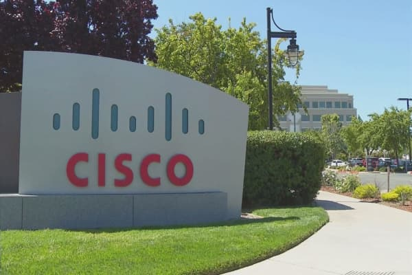 Salesforce and Cisco team up on cloud communication