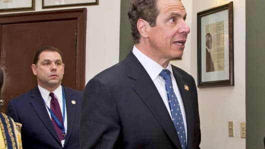New York Governor Andrew Cuomo (R), walks with his aide Joseph Percoco (L) in the Hall of Fame before meetings at the Hotel Nacional in Havana, Cuba, on April 20, 2015.