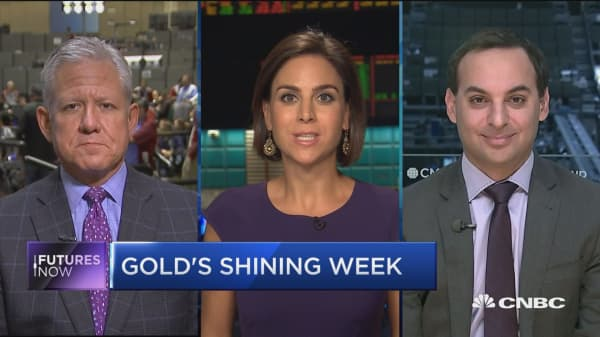 Gold's shining week