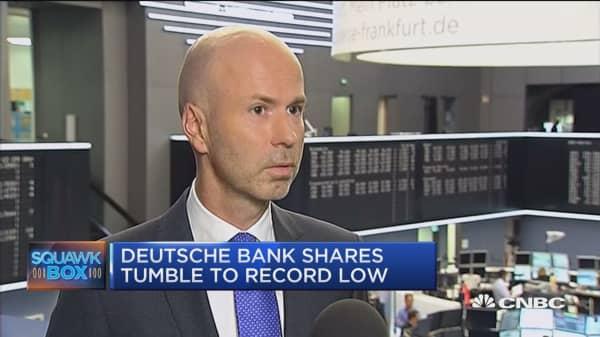 Deutche Bank shares drop on capital concerns