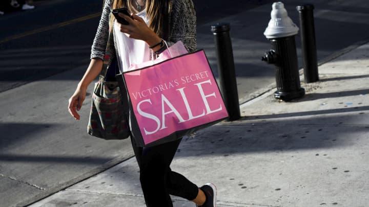 4 Reasons Victorias Secrets Results Sent Investors Running