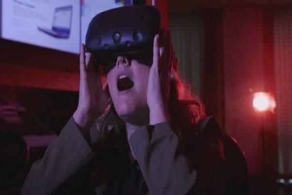 AOL inks VR advertising deal