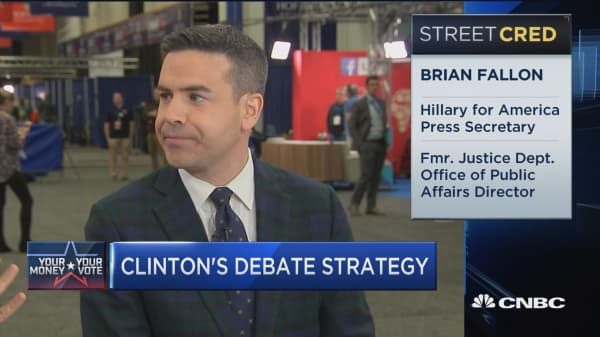 How is Clinton prepping for debate?