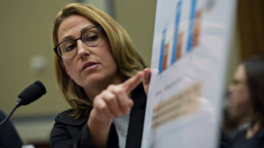 Heather Bresch, chief executive officer of Mylan NV, points to a chart while speaking during a House Oversight and Government Reform Committee hearing in Washington, D.C., U.S., on Wednesday, Sept. 21, 2016.