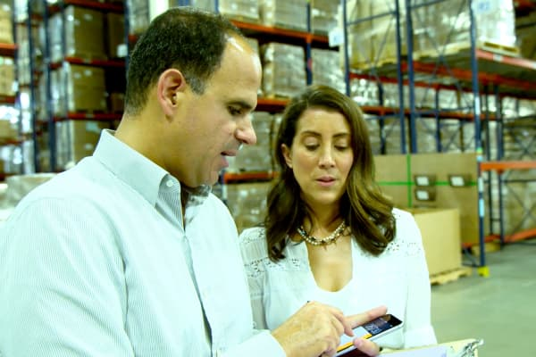 CNBC's Marcus Lemonis explains to Max Kater, CEO of Murchison-Hume, that eliminating the use of a third-party logistics company could translate to approximately $2 of savings per product for Kater's customers, making Murchison-Hume's products more viable in the marketplace.