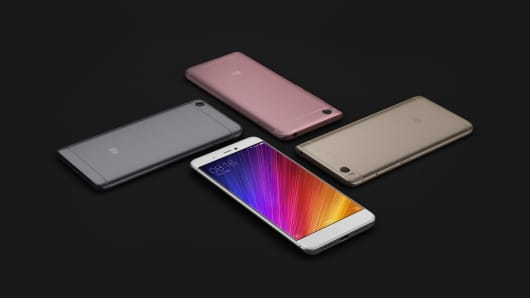 Xiaomi launched two new handset successors to its flagship Mi 5 model: the Mi 5s (pictured) and the Mi 5s Plus.