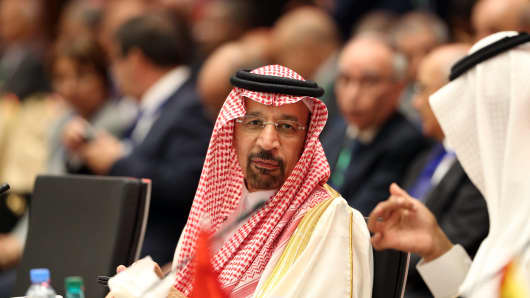 Saudi Oil Minister Khaled al-Falih at 15th International Energy Forum in Algiers on September 27. An informal OPEC meeting was held on the sidelines of the forum in Algeria.