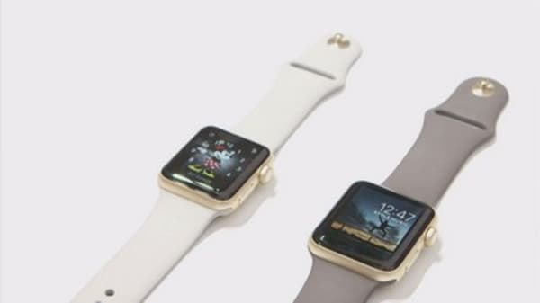 Aetna gives employees free Apple Watches
