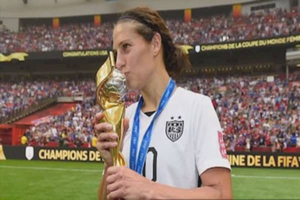 Carli Lloyd speaks on protests and equal pay