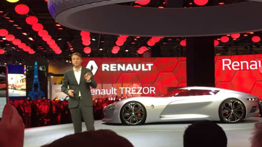 Renault debuts the TREZOR concept car at the Paris Motor Show