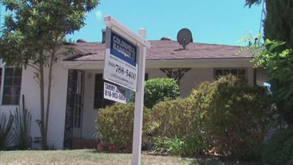 Pending home sales slip in August