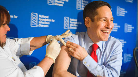 "Tom Frieden, M.D., M.P.H., director of the Centers for Disease Control and Prevention, kicks off the 2016-2017 flu season by getting vaccinated at the National Foundation for Infectious Diseases news conference. In revealing the latest U.S. flu vaccine coverage, he noted a measurable drop among those 50 years and older, asking ""if 9 out of 10 doctors are getting a flu vaccine, why aren't you?"""