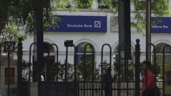 Analysts call Deutsche Bank bailout 'political suicide' for Merkel