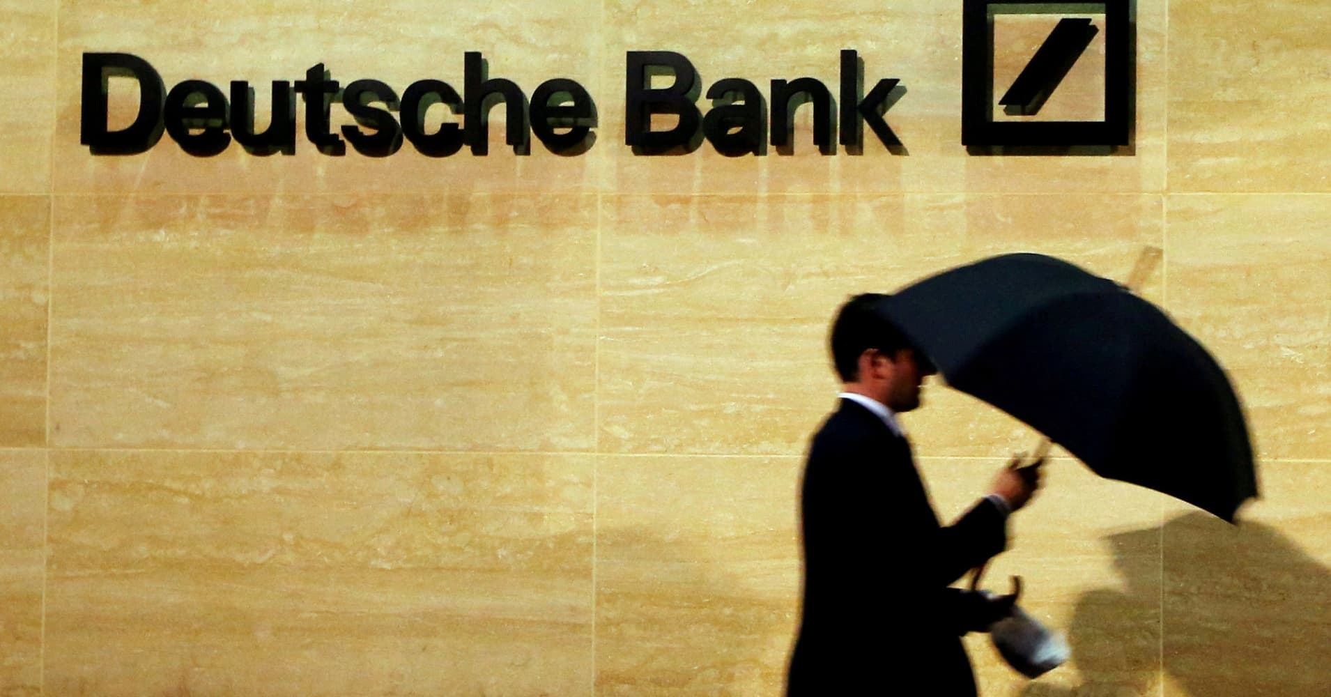 Deutsche Bank lost $1.6 billion on a single trade involving Warren Buffett, WSJ says