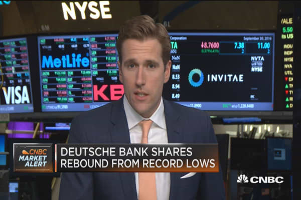 Deutsche Bank shares soar on report of settlement