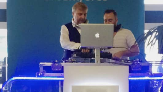 FinancialForce CEO Jeremy Roche plays DJ