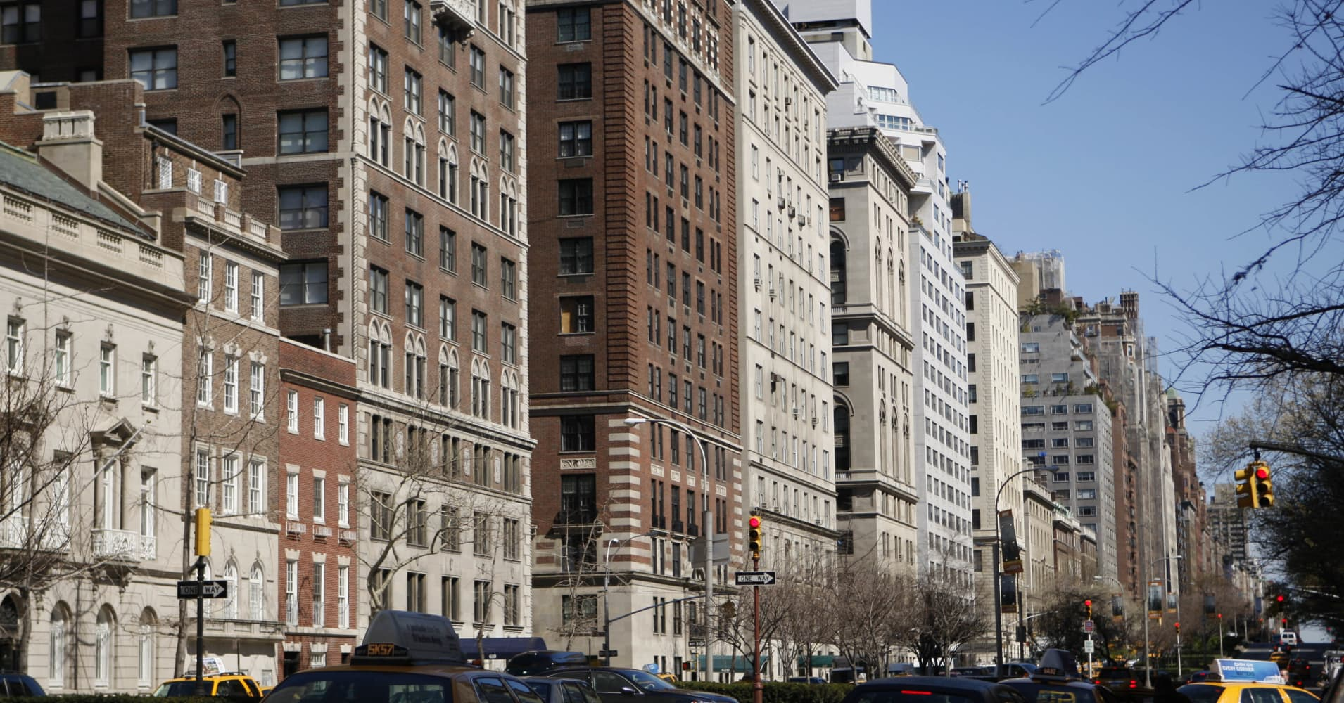 Manhattan apartment sales prices top $2 million for first ...