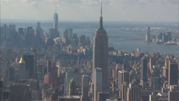 Manhattan real estate sales slip 19%