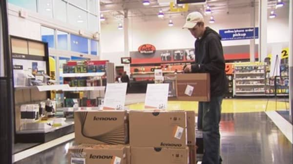Low-income shoppers plan to spend more this holiday