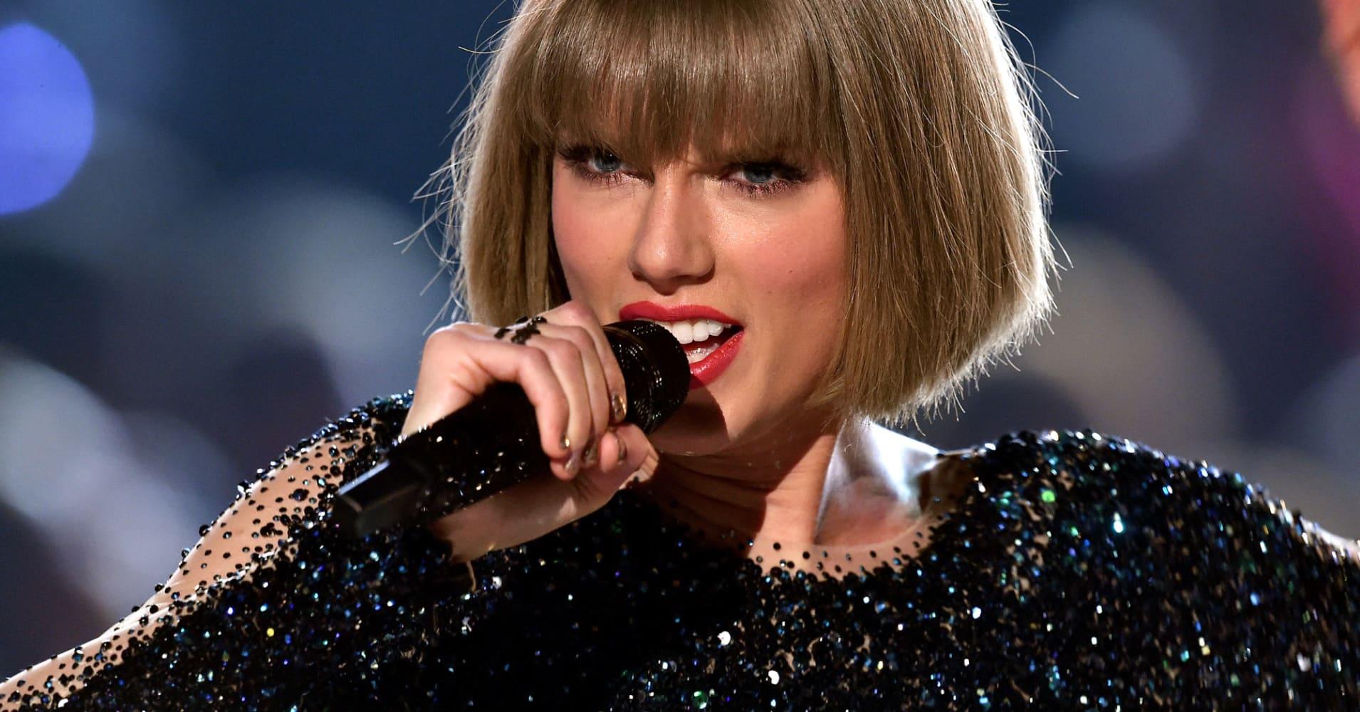 Voter registrations skyrocket after Taylor Swift's get-out-the-vote push