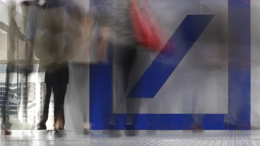 Deutsche Bank in profit pickup as revenue drops