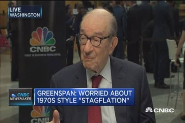 Greenspan: Worried about 1970s style 'stagflation'