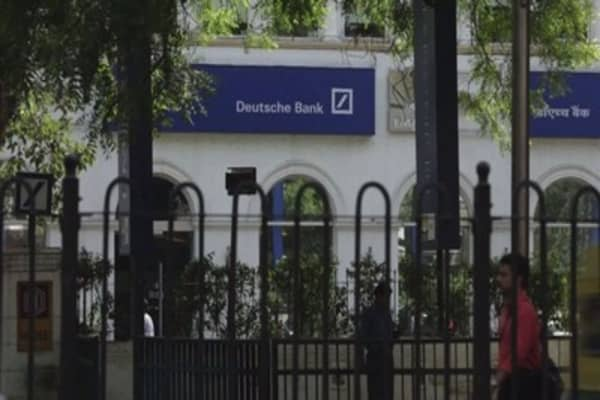 Deutsche Bank announces 1000 job cuts