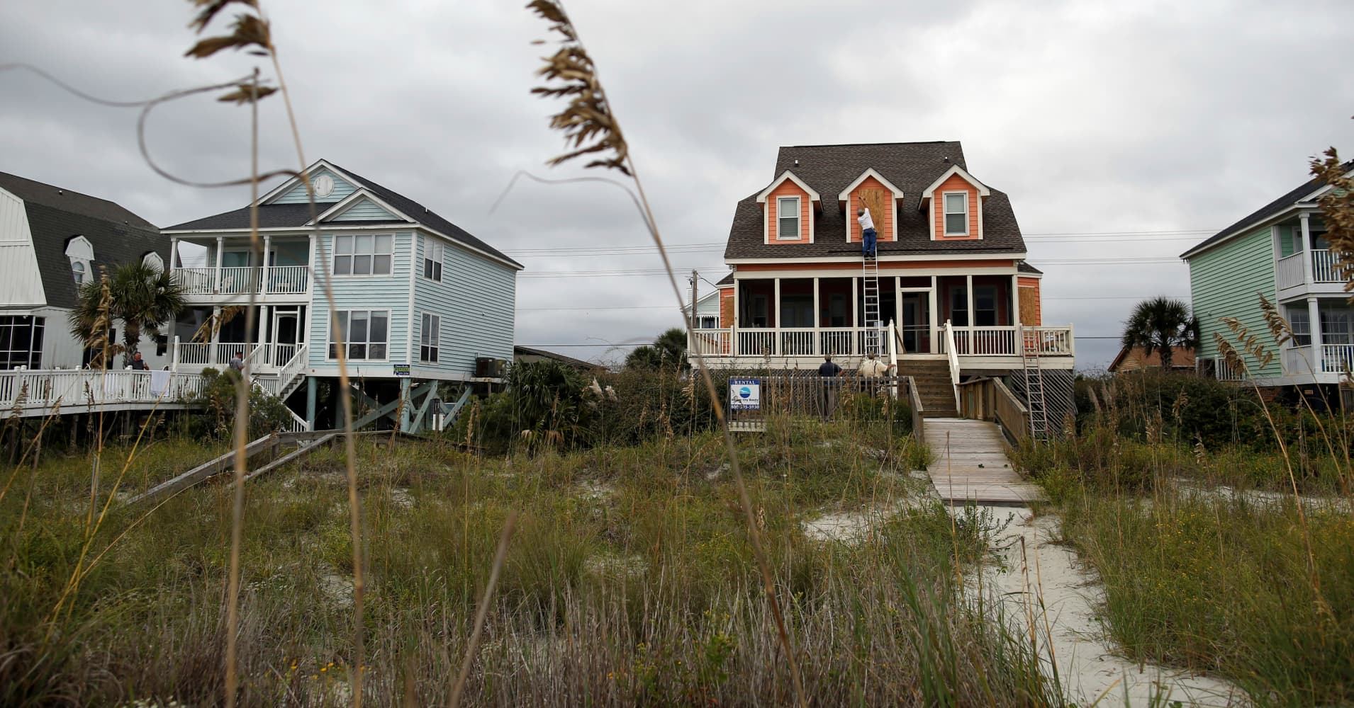 Hurricane Matthew could inflict $200 billion in damage to coastal homes