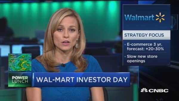 Wal-Mart CEO: It's time to invest more in e-commerce