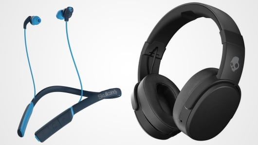 Skullcandy wireless headphones.