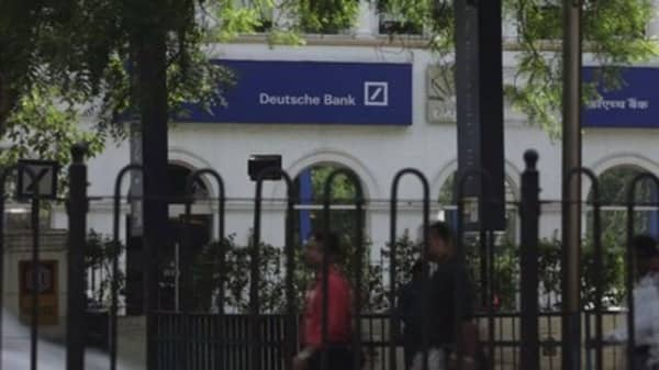 Deutsche Bank possibly seeking capital injection